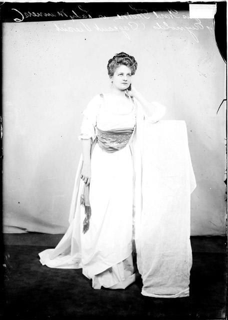 [Mrs. James Ward Thorne in costume as Lady Manners by Reynolds for a Pageant Vivant, dark exposure]