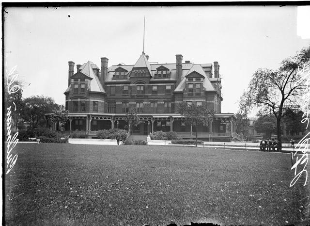 [Hotel Florence in Pullman]