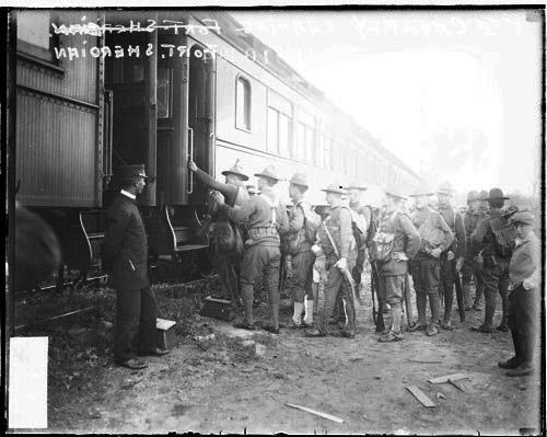 [5th Cavalry leaving Fort Sheridan by train]