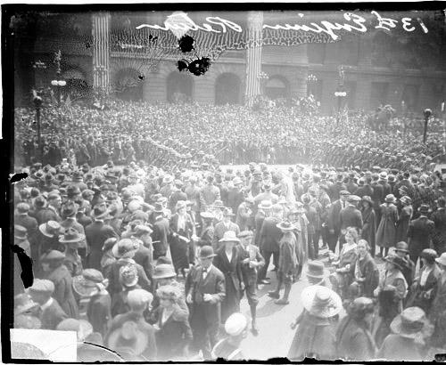 [13th Engineers Division, soldiers marching on Michigan Avenue, Loop community]