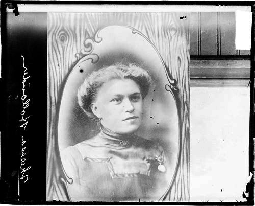 [Hollander murder case, Photograph of Theresa Hollander]
