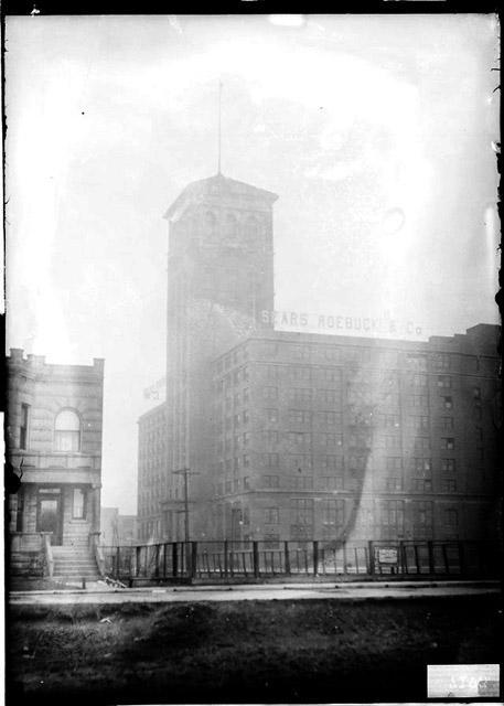[Sears Roebuck & Company warehouse and factory at Arthington Street and Homan Avenue]