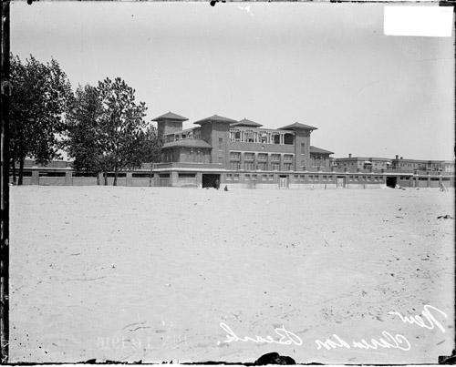 [Clubhouse at Clarendon Beach]