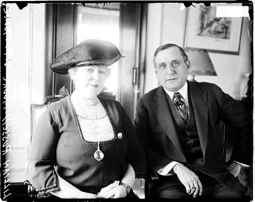 [Actress Lillian Russell sitting with her husband Alexander Moore]
