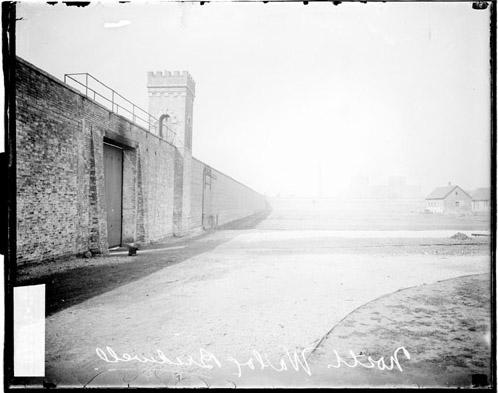 [Bridewell Prison, north wall and gate]