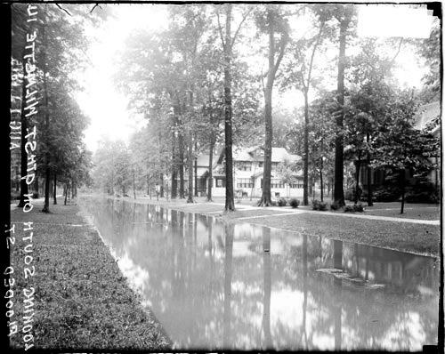 [9th Street in Wilmette, Illinois, flooded]
