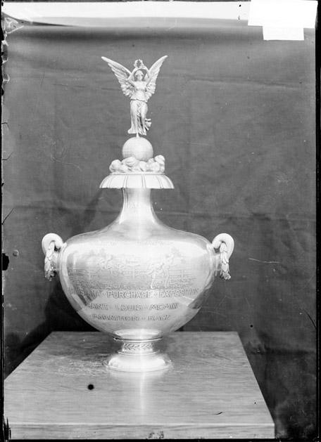 [1904 Olympic Games trophy]