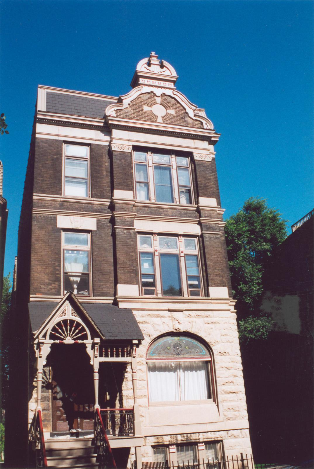 1907 N. Bissell St.; 2-3 Flat