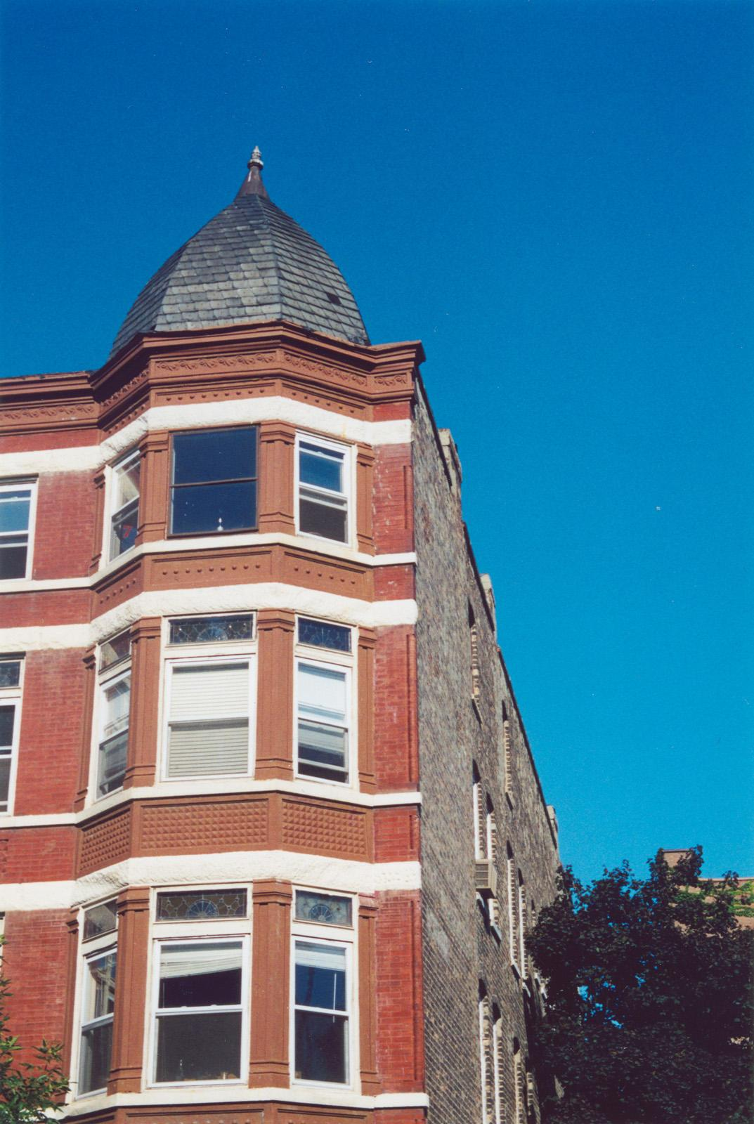 1947 N. Halsted St.; Apartment; Three-sided bay