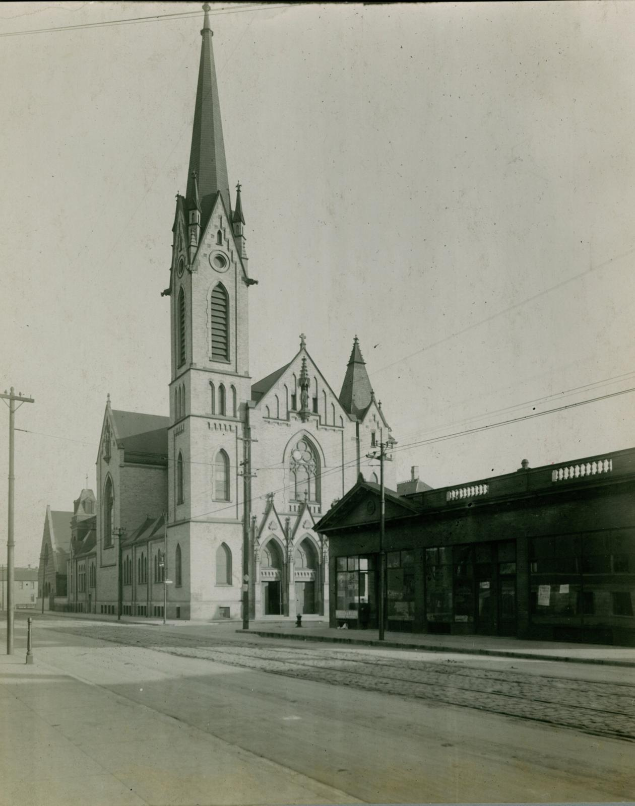 Church of the Immaculate Conception, Bridgeport, Chicago, between 1913 and 1914