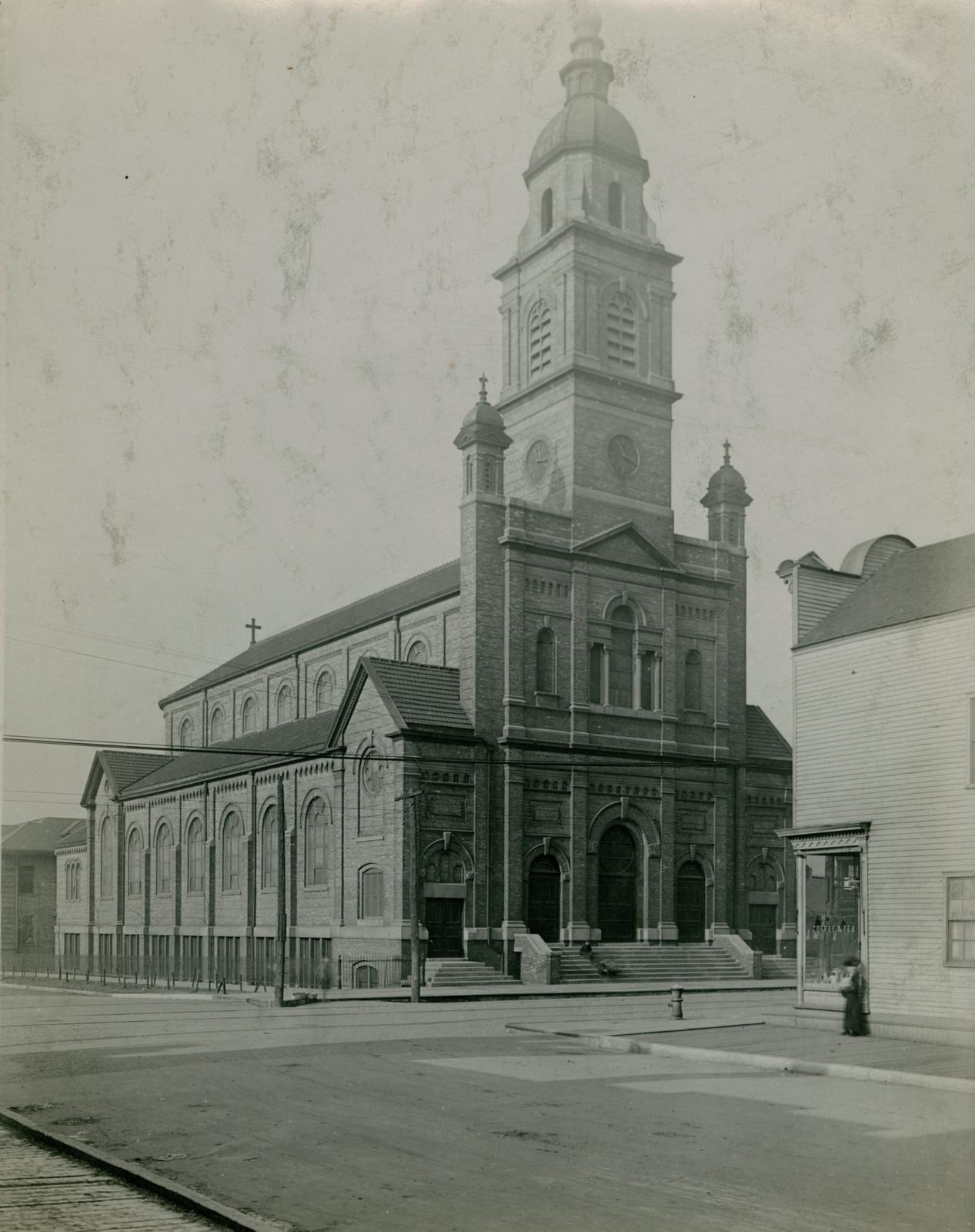 Immaculate Conception Church, Chicago, between 1913 and 1914