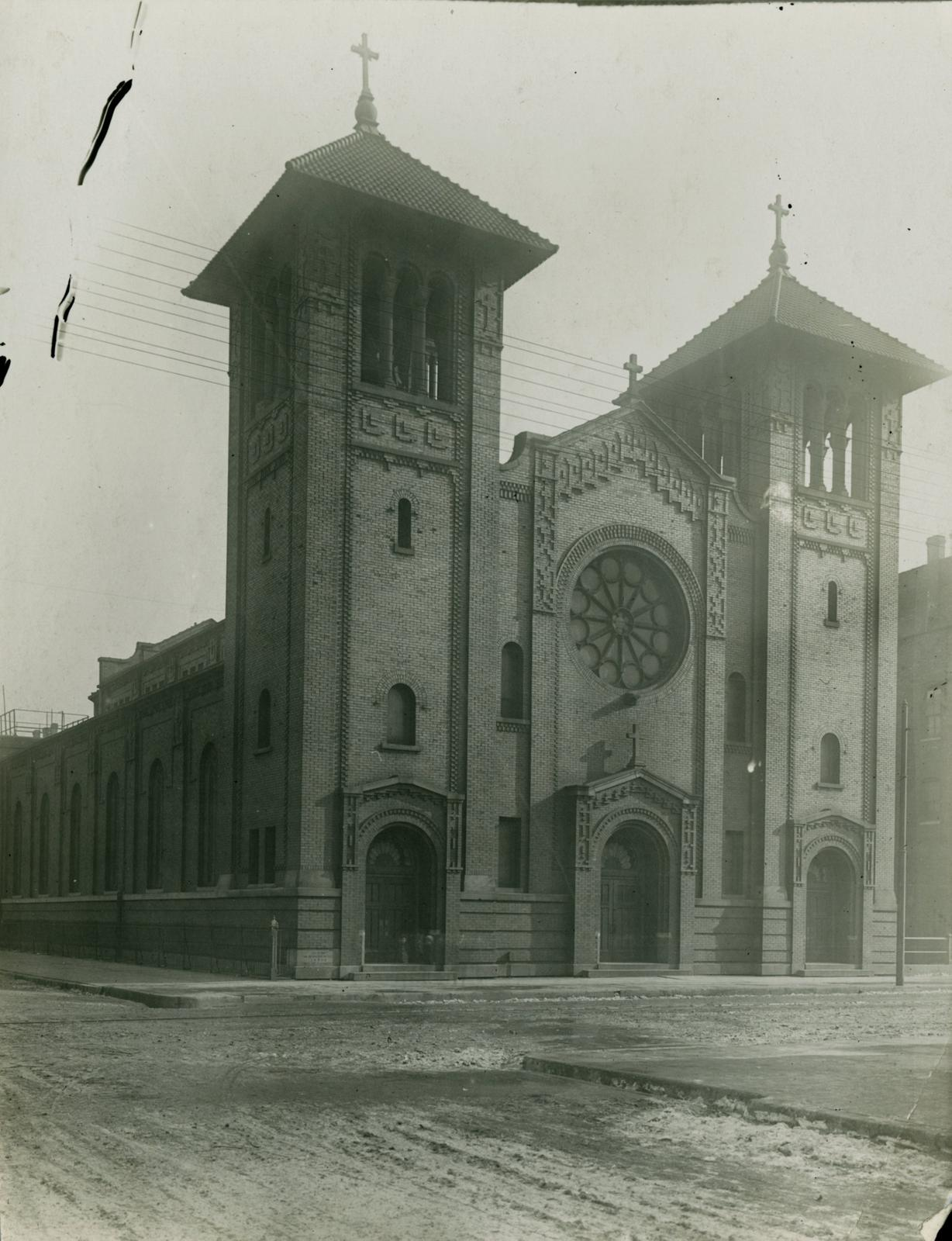 Saint Dominic's Catholic Church, Chicago, 1913