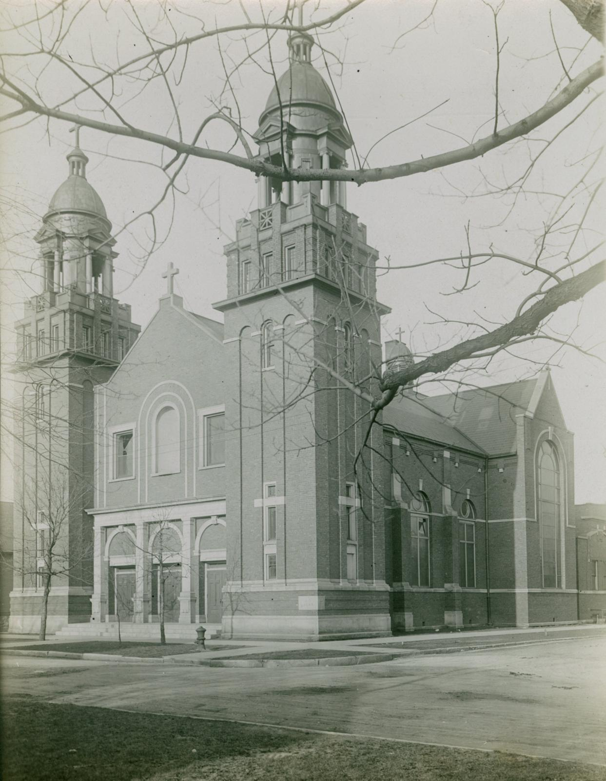 Saint Louis De France Catholic Church, Chicago, April 22, 1913
