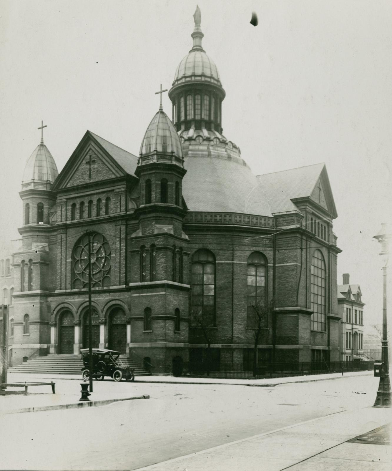 Notre Dame de Chicago Church, Chicago, between 1913 and 1914