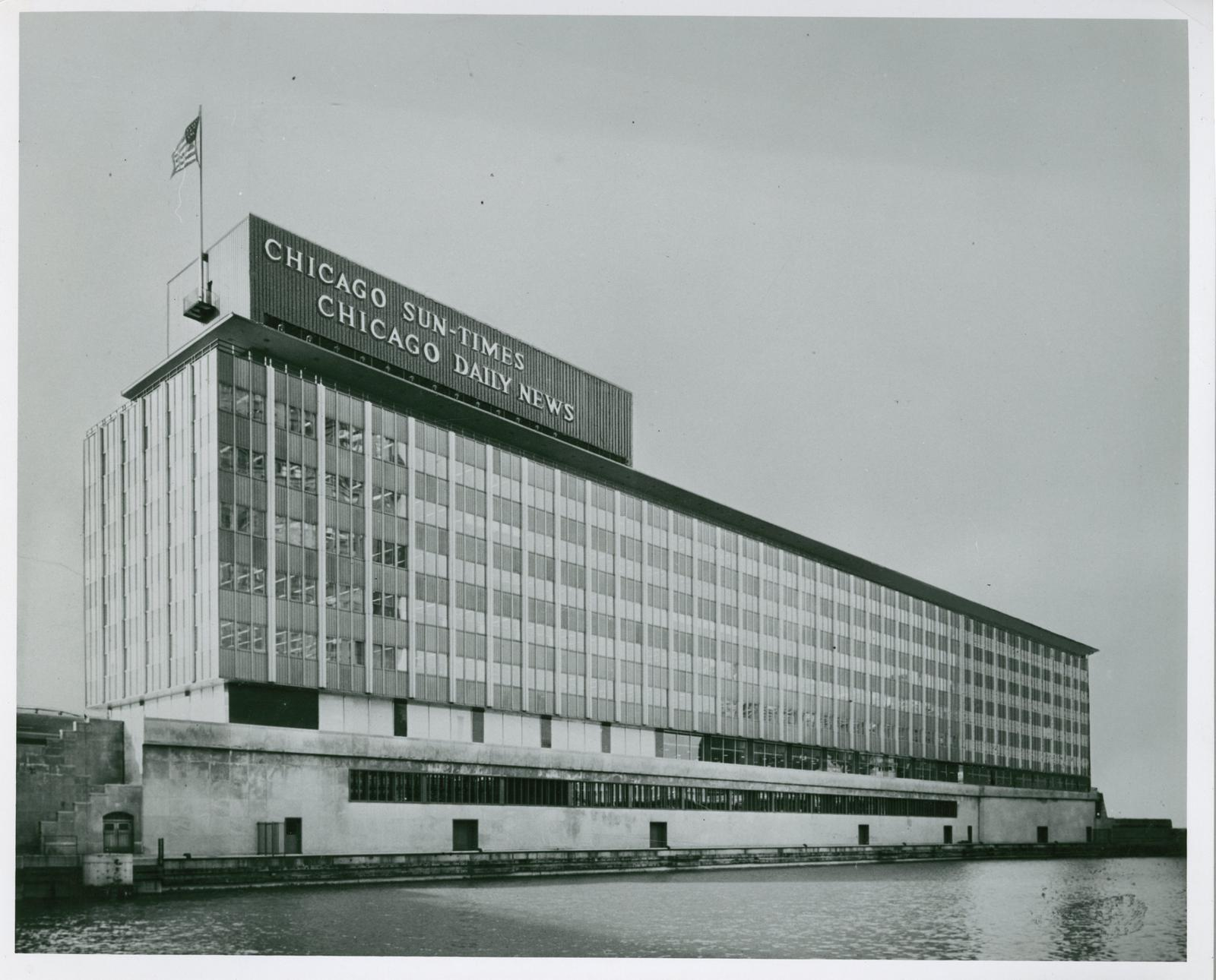 Chicago Sun-Times, Chicago Daily News building, Chicago, mid-20th century