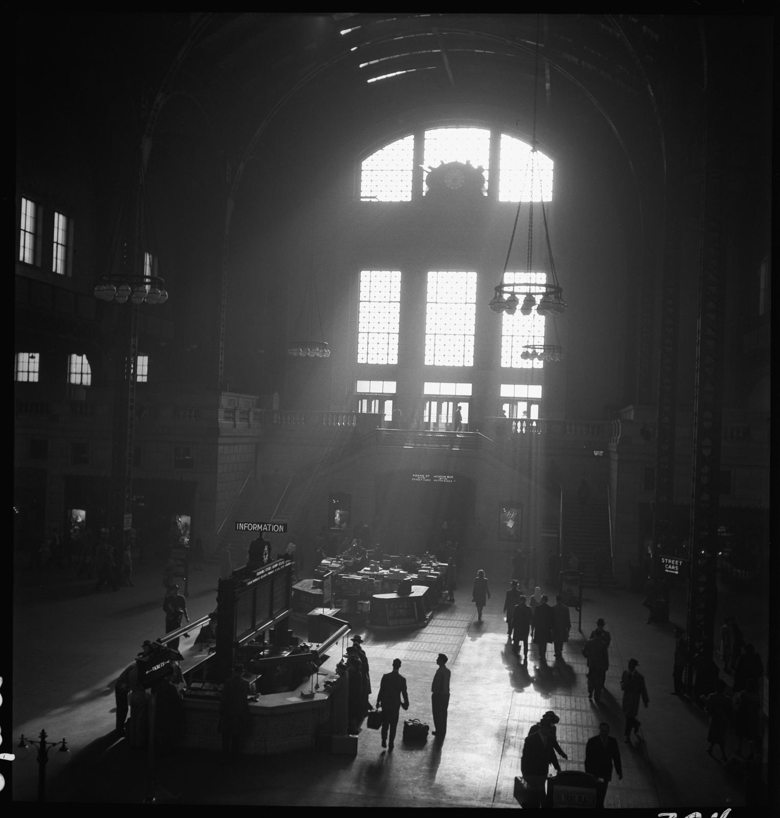 Passengers on concourse, Union Station, Chicago, May 1948