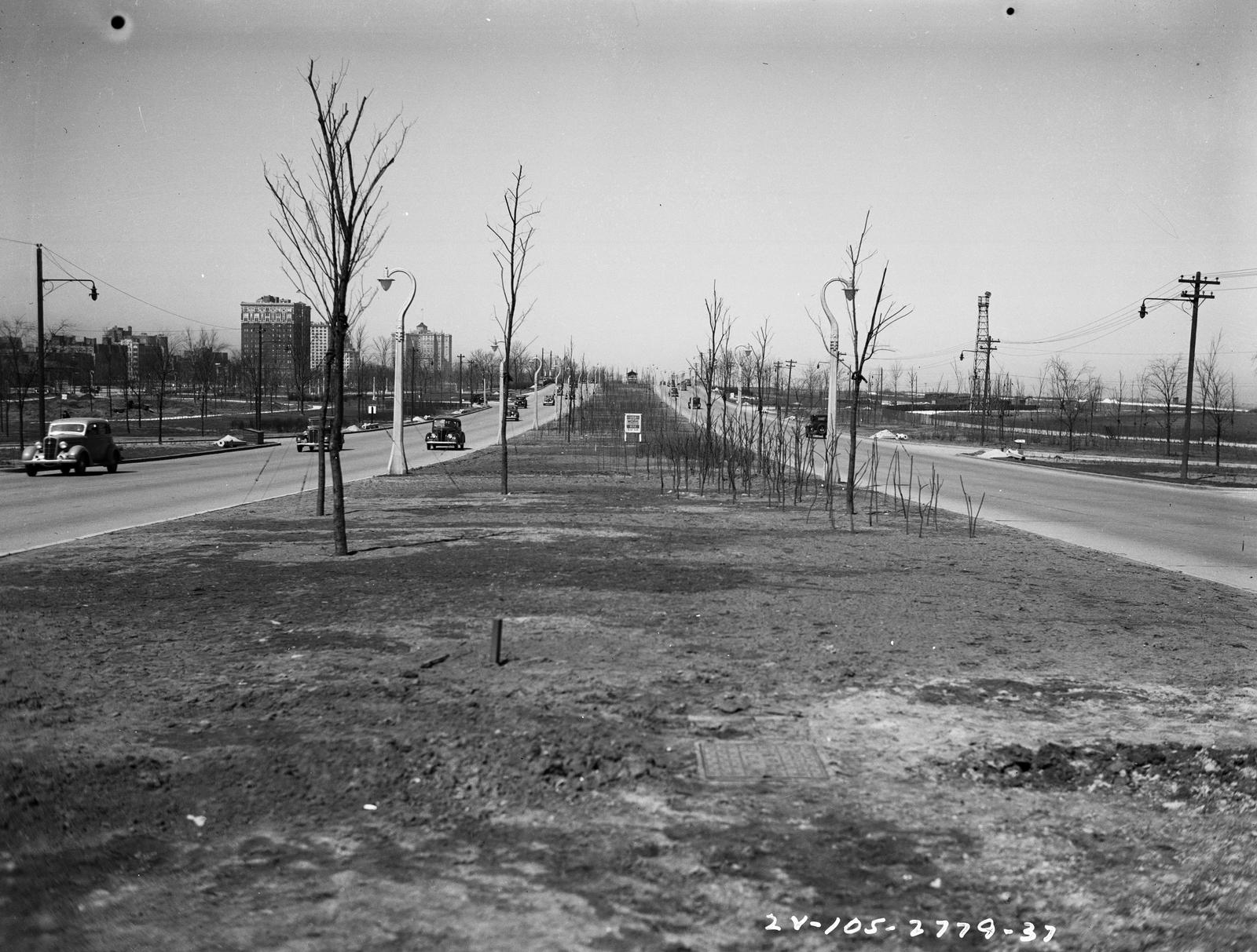Traffic Intersection at Lake Shore Drive and Wilson Ave (image 03)