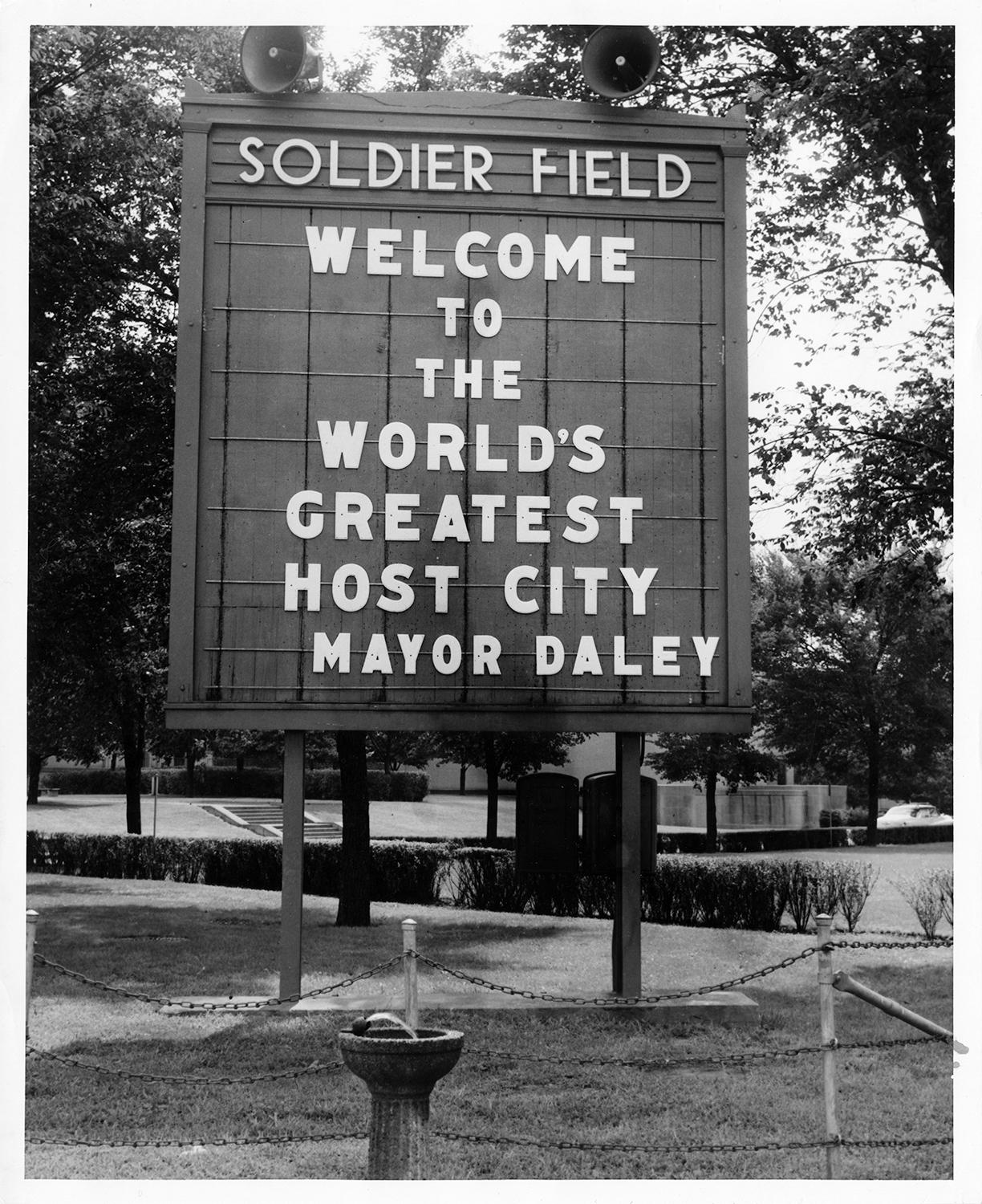 A sign welcomes delegates to the Democratic National Convention.