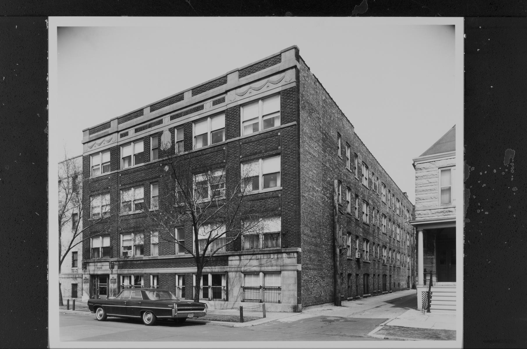 1050 West George Street