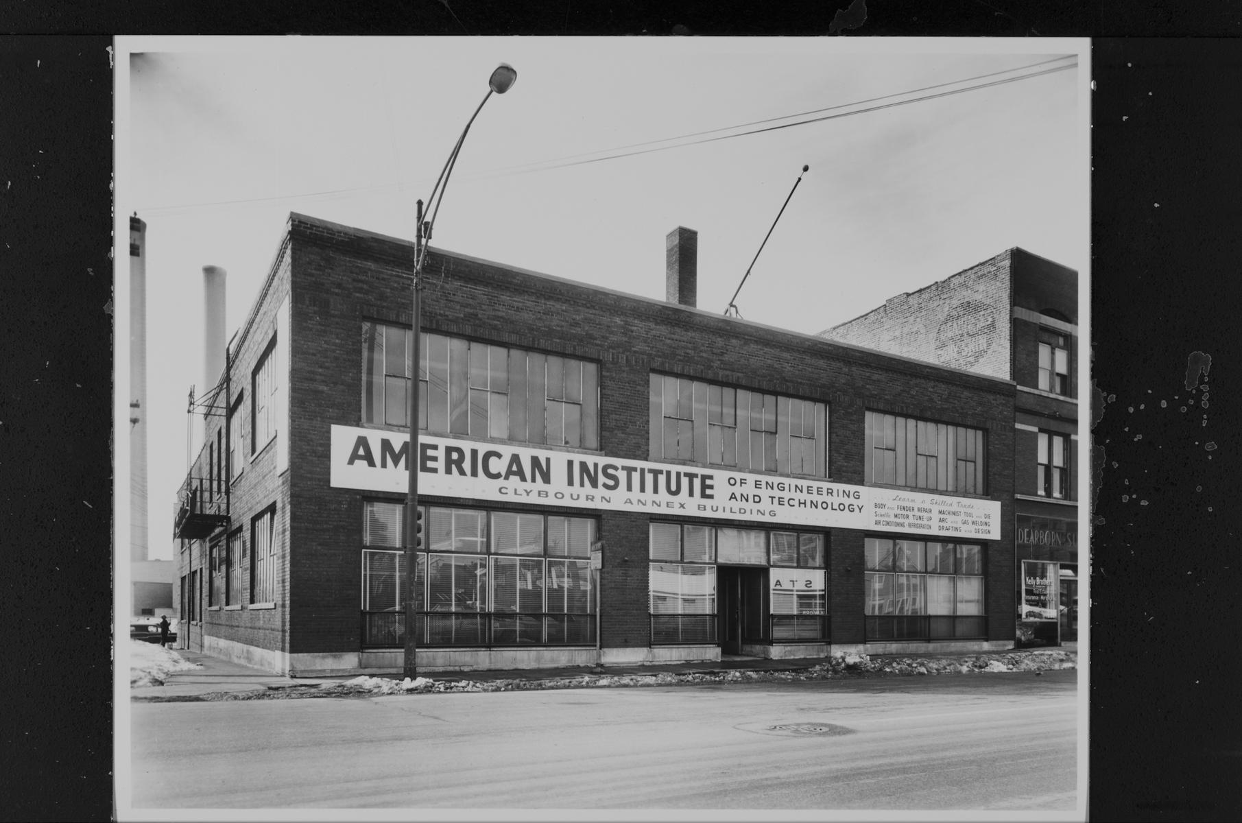 American Institute of Engineering and Technology, Clybourn Annex Building, 2340 North Clybourn Avenue