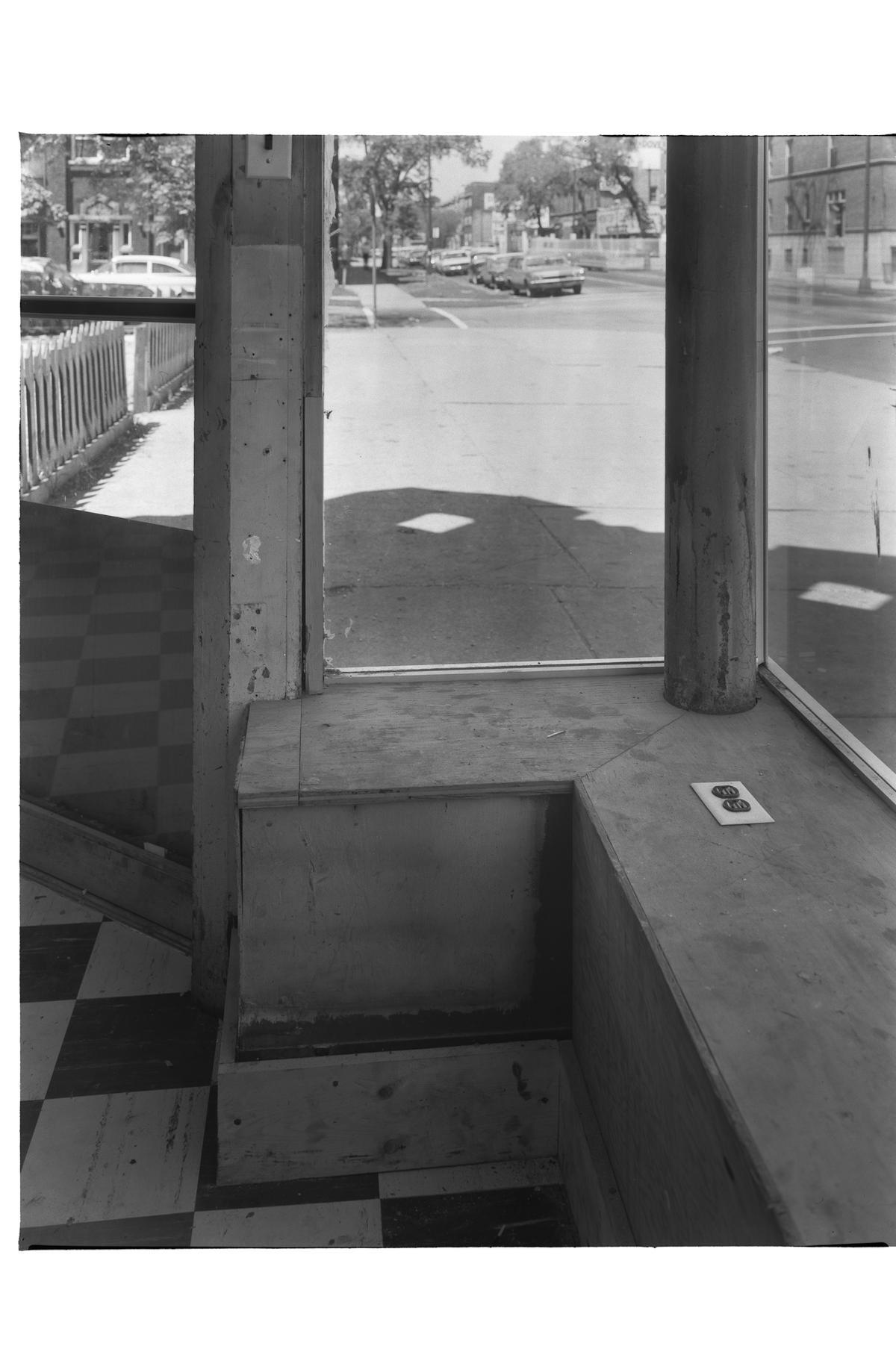 1367 West Wilson Avenue; interior view