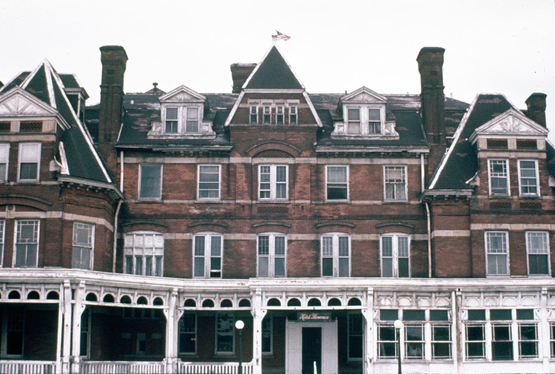 Hotel Florence, Pullman
